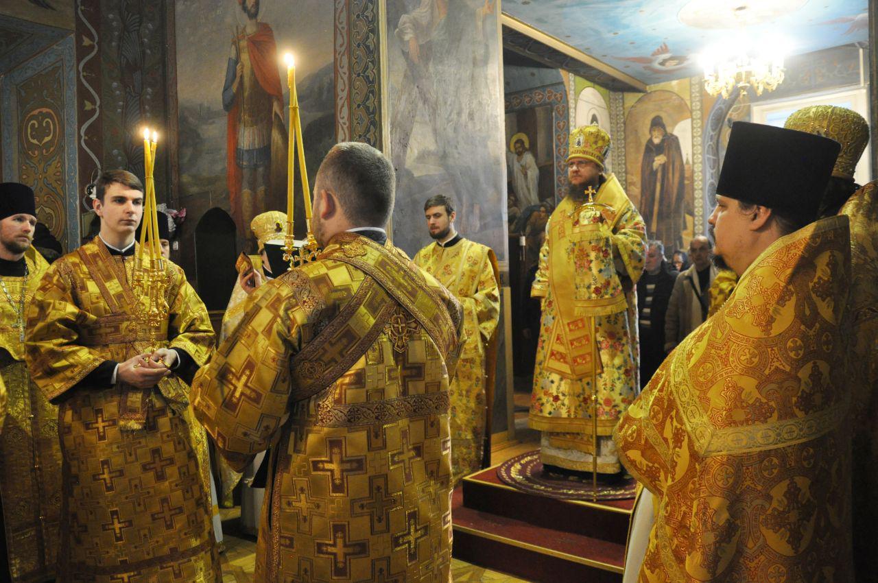 Архиепископ Феодосий совершил Литургию в Неделю 28-ю по Пятидесятнице
